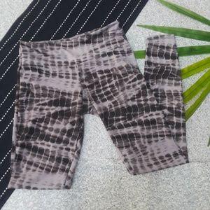 {Onzie} Full Length Tie Dye Leggings S/M